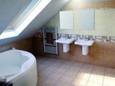 Jednoduchá a elegantní série, která má mnoho odstínů, rozměrů i vícero dekorů. Takovou koupelnu si zamilujete na první pohled.  #keramikasoukup #obklady Toilet, Bathtub, Bathroom, Catalog, Standing Bath, Washroom, Flush Toilet, Bathtubs, Bath Tube