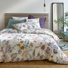 BOTANIQUE Cotton Percale Duvet Cover LA REDOUTE INTERIEURS Bring bold, beautiful botanicals to life in your bedroom with this Botanique cotton percale duvet cover.Printed front and back with an over-sized. Bed Duvet Covers, Duvet Sets, Headboard Decal, Tidy Room, Desks For Small Spaces, Round Beds, Percale De Coton, Bed Curtains, Grey Furniture