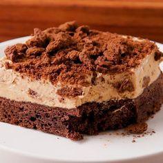 """7,057 Me gusta, 190 comentarios - Tastemade Español (@tastemadees) en Instagram: """"Esta mezcla de Chocotorta con Torta Brownie es la cosa más deliciosa y sabrosa que se nos ha…"""""""
