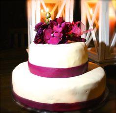 herrlich herbstliche hochzeitstorte / fabulous autumn wedding cake #autumn #wedding #weddingcake #purple #flowers #bouquet #herbst #hochzeit #hochzeitstorte #lila #blumenstrauß #blumen #eventkomponisten