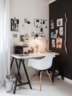 Black and White theme. Very modern. It works well