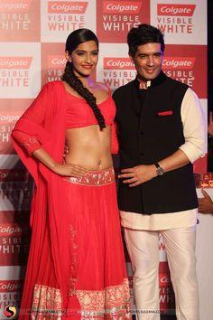 Sonam Kapoor Hot Navel Show In Red Saree