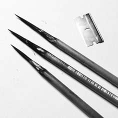 I've decided I need to improve my drawing skills if I'm to make any serious improvement as an artist. Enrolled in the online courses of the Watts Atelier. Today's lesson: learn how to sharpen those pencils.