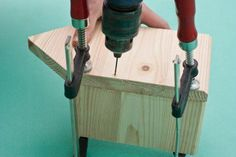 Drilling pilot holes before driving in the nails Wooden Bird Houses, Decorative Bird Houses, Bird Houses Diy, Woodworking Projects For Kids, Woodworking Techniques, Home Projects, Bird House Plans Free, Bird House Kits, Building Bird Houses