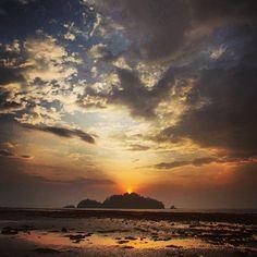 andaman & nicobar islands. the.northern.tip.  #108 #andamans #sea #sand #sunrise #islandlife #island #truth #timeoflife