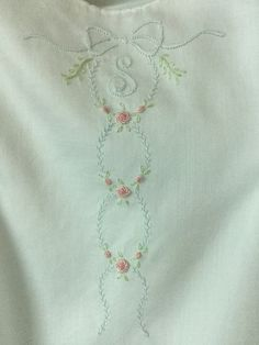 Lace Embroidery, Hand Embroidery Designs, Cross Stitch Embroidery, Embroidery Patterns, Sewing Patterns, Embroidered Towels, Embroidered Clothes, Embroidery Techniques, Sewing Techniques