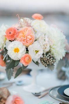 Stunning wedding centerpiece idea; photo: Troy Grover Photographers
