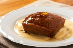 This recipe is by Food Services. My mouth is watering! This is a combination of two of my favourite delicacies. Malva Pudding and Amarula Cream. Malva Pudding is a delicious and sweet pudding, w… Baked Alaska, Köstliche Desserts, Summer Desserts, Delicious Desserts, Dessert Recipes, Yummy Recipes, Malva Pudding, South African Desserts, South African Recipes