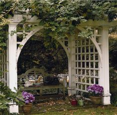 Arbor Ideas to Complete Your Garden Aesthetic Garden arbor can make a difference to the entire landscape.Garden arbor can make a difference to the entire landscape. Privacy Trellis, Arbors Trellis, Trellis Panels, Garden Cottage, Home And Garden, Grape Arbor, Gazebos, Beautiful Home Gardens, Building A Pergola