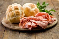 Brot und mortadella