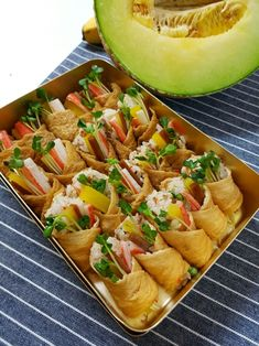 간단도시락:)맛있는 유부초밥만들기 : 네이버 블로그 Korean Food, Asian Recipes, Cantaloupe, Lunch Box, Fruit, Cooking, Blog, Outdoor Living, Food Food