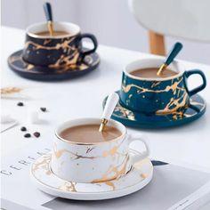 Tea Sets Vintage, Vintage Bar, Vintage Teacups, Ceramic Cups, Ceramic Art, Cute Mugs, Deco Table, Mugs Set, Pantone