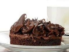 Made with butter, shortening, cocoa powder, confectioners' sugar, milk, hot fudge topping, vanilla extract | CDKitchen.com