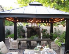 Beautiful backyard with outdoor dining room.