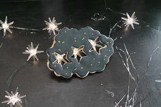 El dia de los Santos Reyes Magos, el dia favorito de mi niñez, Three stars in the sky, magical moments in my childhood, Epiphany day/ Three wise kings decorated cookies.