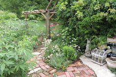 Hopalong Hollow Gazette: Gardens as art