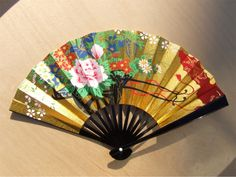 Traditional Japanese Fans | Traditional Japanese decorative fan with floral design and stand