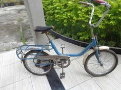 Bicicleta Antiga Monareta Bike Tattoos, Motorized Bicycle, Bicycles, Nostalgia, Wheels, Wings, Humor, Retro, City
