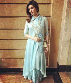 Celebrity Style Clothes by Fashion Designer Anoli Shah - Designer Dresses Couture Dress Indian Style, Indian Fashion Dresses, Indian Designer Outfits, Designer Dresses, Fashion Outfits, Designer Clothing, Pakistani Dresses, Hijab Fashion, Stylish Dresses