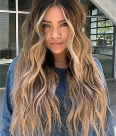 18 Versatile Long Shag Haircut Ideas That All Women .- 18 vielseitige Long Shag-Haarschnitt-Ideen, die allen Frauen passen 18 versatile long shag haircut ideas that suit all women - Long Shag Haircut, Haircut Wavy Hair, Waves Haircut, Brown Blonde Hair, Ginger Blonde Hair, Blonde Hair Tips, Long Blonde Curly Hair, Blonde Foils, Long Ombre Hair