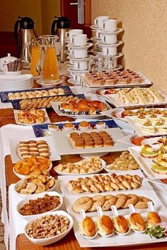 37 Best ideas for brunch party decorations buffet tables inspiration bridal shower - New ideas Menu Brunch, Brunch Buffet, Brunch Party, Breakfast Buffet, Food Displays, Snacks Für Party, Buffets, High Tea, Food Presentation