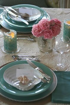 Amazing beach tablescapes -- get ideas for beach tablescapes for your summer parties.