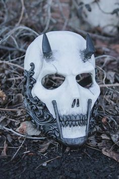 ✔ Anime Face Mask Aesthetic – Keep up with the times. Mascara Oni, Airsoft Helmet, Armadura Medieval, Skull Mask, Skeleton Mask, Half Face Mask, Masks Art, Full Face, Halloween Masks