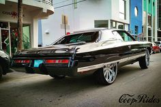One of the first Miami donks I ever got an up close look at. One of the first donks I saw with a painted bumper and one of the first donks I saw with an LS swap. It's a different color now but still just as hard. #72 #caprice #forgiato #26s #deucelife #8thstreet #southbeach #cooprides