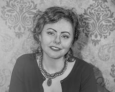 Smiles and necklaces – Alex Gurau Photo Female Portrait, Fashion Necklace, Portraits, Necklaces, Smile, Photography, Women, Photograph, Head Shots