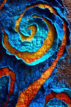 """felted """"painting"""" - detail - Zafilcowana: Płaskorzeźby filcowe... roślinne... makowe..."""