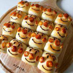流行りのちぎりパンやってみたかった (。´艸`。) アンパンマンのくせに中身はチョコレートw - 234件のもぐもぐ - 子供も大人も喜ぶ♡アンパンマンのちぎりパン by はる