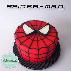 Spiderman Torte, Spiderman Cake Topper, Spiderman Birthday Cake, Batman Cakes, Superhero Cake, Superhero Birthday Party, Boy Birthday, Novelty Birthday Cakes, Le Chef