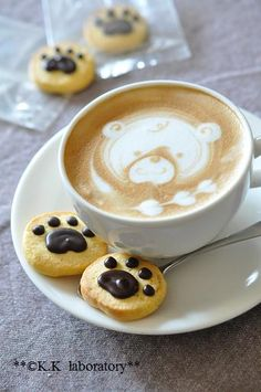 Cappuccino - good for coffee break.love the cookies with this! Café Latte, Coffee Latte Art, Coffee Love, Coffee Break, Coffee Club, Coffee Maker, Deco Cafe, Café Chocolate, Chocolate Cookies