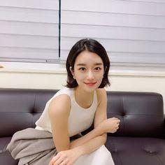 Korean Actresses, Asian Actors, Seo Ji Hye, Asian Models Female, Chinese Actress, Famous Celebrities, Life Photo, Girl Crushes, Korean Beauty