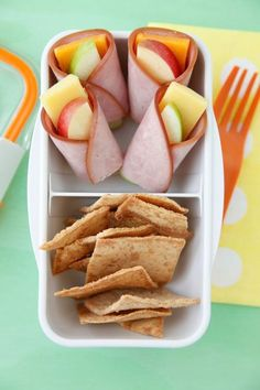 A2 would love those cheese and apples wrapped in lunch meat! Non-Sandwich Lunch Ideas - Apple Cheese Wraps