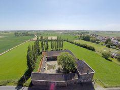 Villa - Landhuis te koop in 8510 Kooigem: Historische ruime vierkantshoeve (deels bouwzone)