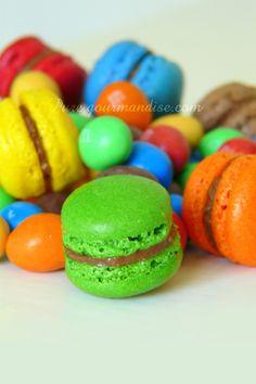 Macarons aux m&m's - www.puregourmandise.com