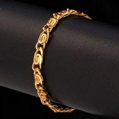 Ce bracelet en maille escargot vous sublimera.