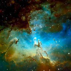 M16: Formazione Stellare nella Nebulosa Aquila – M16: The Pillars of Eagle Castle