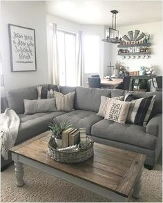 29 cozy small living room decor ideas for your apartment - Living Room Living Pequeños, Chic Living Room, Cozy Living Rooms, Living Room Grey, Apartment Living, Grey Living Room Furniture, Tiny Living, Gray Living Room Decor Ideas, Farmhouse Living Rooms