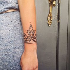 Tattoos are popular now more than ever. Boho Tattoos, Hair Tattoos, Wrist Tattoos, Body Art Tattoos, Small Tattoos, Sleeve Tattoos, Tatoos, Wrist Bracelet Tattoo, Cuff Tattoo