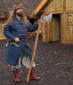 "Påsbyxor aka ""Viking Rus Pants"": Background and Research Viking Garb, Viking Reenactment, Viking Men, Viking Life, Medieval Costume, Viking Pants, Viking Battle, Battle Axe, Norse Clothing"