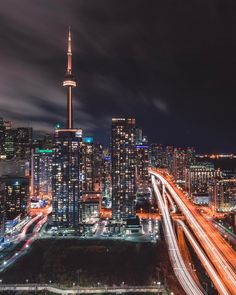Someone bring the champagne cuz this view is killer . Thanks to @aroundq and @chantalmercedes for the view and @urbanexpl0rer for letting me use his tripod . Big up to all the other homies from this weekend which I tagged in the post. . Shot with: Canon 5d Mark iii @canoncanada Canon 16-35mm f/4 L @canonusa . Camera settings: Aperture: f/14 ISO: 100 Shutter speed: 30s Focal length: 24mm