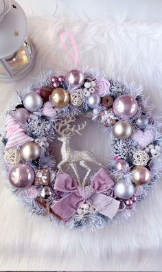 Rose Gold Christmas Decorations, Xmas Tree Decorations, Purple Christmas, Noel Christmas, Christmas Colors, Christmas Crafts, Diy Wreath, Ornament Wreath, Holiday Wreaths