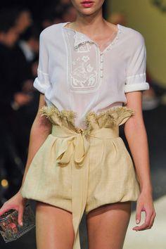 whore-for-couture:  mulberry-cookies:  Ulyana Sergeenko Haute Couture S/S 2013   Haute Couture blog :)   Bonjour, nous sommes Katarina et Violeta. Nous adorons la mode.