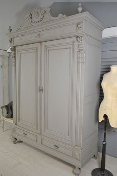 This beautiful ornate, French Oak, Knock Down Wardrobe is perfect if you don't have easy access! We love the Lion's Heads and ornate carvings of this stunning piece. We've painted in Little Greene Mid Lead, with Dark Lead Detail. Chalk Paint Wardrobe, Painted Wardrobe, Oak Wardrobe, Antique Wardrobe, Wardrobe Furniture, Vintage Wardrobe, Armoire Wardrobe, Shabby Chic Wardrobe, Green Painted Furniture