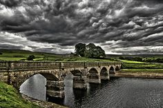 Roundhill Reservoir, Masham, North Yorkshire by Paul in Leeds, via Flickr