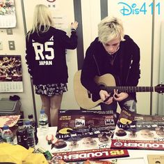 Pics: R5 In Japan November 23, 2013 - Ross Lynch and Rydel Lynch