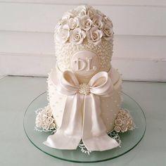 Um pequeno lindo para casamento  civil  @bombocadobolosfinos #bombocadobolosfinos #bombocado
