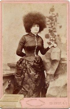 1880's woman having a really bad hair day